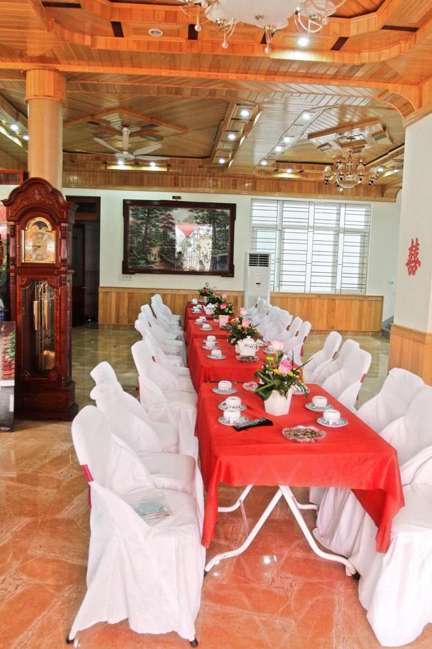 Trang trí, tổ chức tiệc cưới